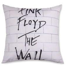 Almofada+Pink+Floyd+45x45+-+D'SÁ+Almofadas+-+A+AlmofadaPink+Floyddecora+a+sala+de+estar+ou+o+quarto+de+forma+descontraída+e+com+um+toque+de+rock'n+roll!  Possui+estampa+digital+em+microfibra+e+enchimento+em+fibra+sintética+350g.+O+verso+da+almofada+é+fabricado+suede+preto.