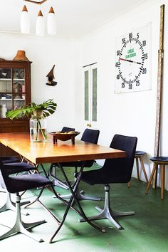 Great green floors! Eclectic styling. Inside Out  - desire to inspire - desiretoinspire.net