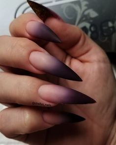 Stiletto nail art design is one of the classic nail shapes. Stiletto nails are also known as claw nails. With a larger surface, our nails can be very creative. Stiletto nails look more sexy and attractive than regular long nails. The Stiletto nail de Stiletto Nail Art, Cute Acrylic Nails, Matte Nails, Pink Nails, Black Ombre Nails, Color Nails, Stiletto Nail Designs, Simple Stiletto Nails, Coffin Nails