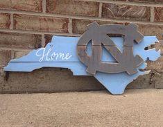 UNC Pallet Sign North Carolina Tarheels College by South Carolina, Carolina Pride, University Of North Carolina, Carolina Blue, Carolina Girls, Wooden Wall Art, Wood Art, Pallet Signs, Wood Signs