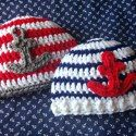 http://fivelittlemonstersshop.blogspot.com/2014/07/free-crochet-pattern-anchor-baby-hats.html