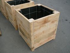bloembakken hout buiten groot - Google zoeken Diy Planter Box, Wooden Planters, Outdoor Planters, Flower Planters, Diy Planters, Outdoor Gardens, Diy Pallet Projects, Furniture Projects, Garden Projects