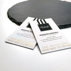 Vous souhaitez des cartes de visites originales et haut de gamme ?  Choisissez la carte Duplex et associez deux essences de papier différentes ! #cartedevisite #originale #sensoprint