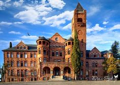 Preston Castle in Ione, California - a former reformatory school. Built in it is an example of Romanesque Revival architecture. Old Abandoned Houses, Abandoned Mansions, Abandoned Buildings, Abandoned Places, Old Houses, Manor Houses, Preston Castle, Revival Architecture, Ghost Adventures