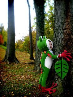 via Flickr tree frog costume