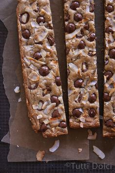 Toasted Coconut Chocolate Macadamia Blondies - one of the best blondie recipes ever! Toasted coconut blondies studded with chocolate macadamias.