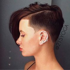 Hair Pixie Haircut With Shaved Sides Short Shaved Hairstyles, Undercut Hairstyles, Shaved Nape, Shaved Sides, Shaved Undercut, Half Shaved Hair, Shaved Hair Designs, Mid Length Hair, Hair Tattoos