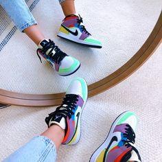 Jordan Outfits, Jordan Shoes Girls, Nike Outfits, Sneaker Outfits, Moda Sneakers, Sneakers Mode, Shoes Sneakers, Jordans Sneakers, Kd Shoes
