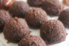 Almond Cacao Energy Bites - A Li'l Bit of Spice Nutrition And Dietetics, Breakfast Bars, Energy Bites, Diabetic Friendly, My Recipes, A Food, Food Processor Recipes, Cravings, Sweet Tooth