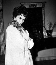Elizabeth Taylor2-Reduced
