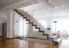 Staircase design ideas pictures and inspiration Townhouse Interior, Interior Stairs, Interior Design Living Room, Modern Interior, New Staircase, Floating Staircase, Staircase Design, Staircase Ideas, Stair Decor