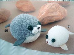 Cute Pompon Seal and Penguin Cute Kawaii Animal Mascots Toy .- Cute Pompon Seal and Penguin Cute Kawaii Animal Mascots Toy Tutorial pdf E PATTERN Instructions in Japanese with Template Titles in English - Cute Crafts, Diy And Crafts, Arts And Crafts, Pom Pom Crafts, Yarn Crafts, Diy For Kids, Crafts For Kids, Pom Pom Animals, Yarn Animals