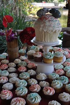 Stepping aside from the traditional wedding cake seems to be more and more popular. Cupcakes are easy to serve and offer a wide variety of flavor choices for your guests.