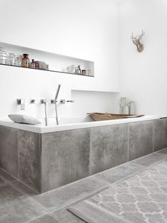 You require a lot of minimalist bathroom ideas. The minimalist bathroom design suggestion has numerous benefits. See the finest collection of bathroom photos. Bathroom Inspiration, Small Bathroom, Minimalist Bathroom Design, Bathtub Design, Modern Bathtub, Trendy Bathroom, Large Bathtubs, Tidy Bathroom, Modern Bathroom Design