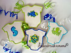 I made these for Kara's Baby Shower. They match the bedding she and her husband chose for their baby due in December. I really tried hard on this photo but I'm still having trouble with lighting and shadows. Baby Shower Desserts, Baby Shower Cookies, Baby Shower Parties, Baby Boy Shower, Shower Party, Baby Showers, Galletas Cookies, Cupcake Cookies, Cupcakes