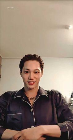 190722 zkdlin INSTAGRAM live Exo Korean, Kim Jongin, Exo Kai, Kpop Boy, Boyfriend Material, Super Junior, Boy Groups, First Love, Actors