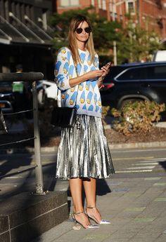 Clara Racz wearing a Zara top, vintage skirt, Zara shoes, and MCM bag. Image Source: Getty / Daniel Zuchnik