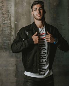 Asensio❤️❤️❤️❤️ Isco, Soccer Guys, Football Players, Equipe Real Madrid, Real Madrid Players, Mens Fashion 2018, Professional Football, Sports Stars, Attractive People