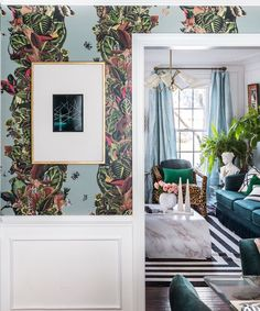 Tropical Wallpaper, New Wallpaper, French Bohemian, Crate Storage, Bathroom Wall Art, Luxury Home Decor, Decorating Blogs, Living Room Decor, Dining Room