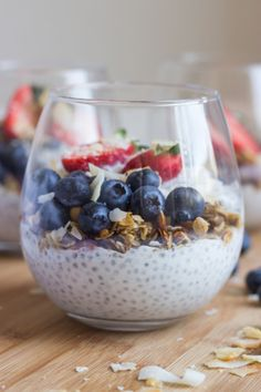 Overnight chia seed pudding made with wholesome ingredients and no refined sugar. Thick, creamy, and perfect healthy snack! Made with 6 simple ingredients.