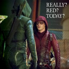 Stephen Amell and Colton Haynes in Arrow Arrow Cw, Team Arrow, Supergirl 2015, Supergirl And Flash, Colton Haynes, Stephen Amell, Teen Wolf, Film Black, Dc Comics