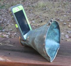 Ceramic Phone Speaker Docking Station Amplifier by WheezieWorks