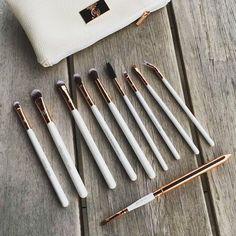 Lovely Boozy Cosmetics Make Up brushes <3