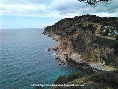 TOSSA DE MAR: desde el interior del recinto amurallado de la Vila Vella, vistas de la Platja d'es Codolar, antigua playa de pescadores