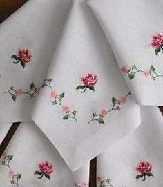 Will be able to sew from linen fabric with pleasure, easy and stylish design will make your dining room smoother. Floral Embroidery Patterns, Beaded Embroidery, Cross Stitch Embroidery, Hand Embroidery, Embroidery Designs, Crochet Patterns, Cross Stitch Rose, Cross Stitch Flowers, Cross Stitch Designs
