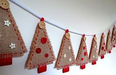 Christmas Crafts sewing Rustic Hessian Burlap Christmas Tree Bunting by CreativeCraftKits Christmas Tree Kit, Burlap Christmas Tree, Felt Christmas, Handmade Christmas, Burlap Ornaments, Diy Christmas Bunting, Rustic Christmas Tree Decorations, Classy Christmas, Christmas Swags
