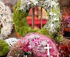 Casket Flowers, Grapevine Wreath, Grape Vines, Floral Wreath, Wreaths, Inspiration, Home Decor, Fall Pumpkins, All Saints Day