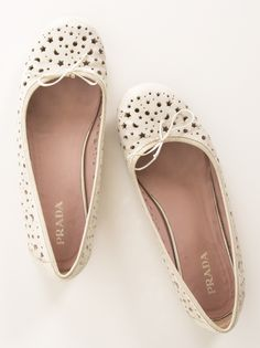 PRADA FLATS...Way outa my price range but just the color and style I'm looking for