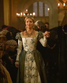 Jane Seymour - Annabelle Wallis in The Tudors, set between 1519 and 1547 (TV series 2007-2010).