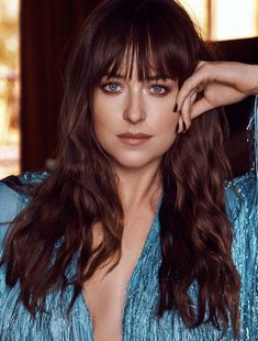 dakota johnson sexual assault survivors me too hair makeup style fashion outfits fifty shades of grey Dakota Johnson Street Style, Dakota Style, Dakota Jhonson, My Hairstyle, Hairstyles With Bangs, Celebrity Bobs, Most Beautiful Hollywood Actress, Dakota Mayi Johnson, Long Hair With Bangs