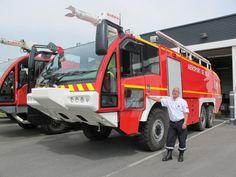 Chef des pompiers à l'aéroport de Lesquin, Hervé Delmare, un monsieur sécurité de tous les fronts (VIDÉO) Dump Trucks, Fire Trucks, Fire Dept, Fire Department, Rescue Vehicles, Herve, In Case Of Emergency, Emergency Vehicles, Firefighting