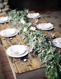 floriculture: floral table runners
