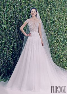 Zuhair Murad - Novias - Otoño-Invierno 2014-2015 - http://es.flip-zone.com/fashion/bridal/couture/zuhair-murad-4387