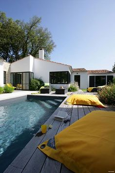 Luxury villa rent Ile de R SJ Villas La Couarde sur Mer Luxury beach vill Swiming Pool, Outdoor Swimming Pool, Beach Villa, Villas, Pool Designs, Home Deco, Exterior Design, Future House, Outdoor Living