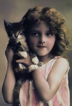 Itty Bitty kitty vintage photo digital download by MsAlisEmporium
