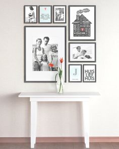 Muur collage met foto's van je familie The OCD in me loves the symmetry!