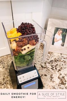 Popular Utah lifestyle blog, A Slice of Style shares her smoothie recipe to stay hydrated throughout the day. She uses this smoothie to take her vitamins and supplements and then drink it throughout the day! Best Breakfast Recipes, Delicious Dinner Recipes, Easy Healthy Recipes, Energy Smoothies, Wild Blueberries, Eating Organic, Recipe Of The Day, Fruits And Veggies, Smoothie Recipes