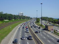 Noida authority has come out with a great news for the daily commuters of Noida expressway. The authority recently announced that commuters along the Noida – Greater Noida expressway will soon be a...