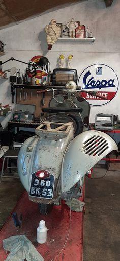 Vespa 300, Vespa Bike, Vespa Scooters, Vespa Retro, Retro Scooter, Vintage Vespa, Vespa Models, E Biker, Classic Vespa