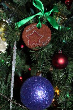 christmas ornaments with kids, kids ornament decoration, baking with toddler. Home made easy christmas decorations