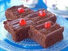 #Brownies διπλοσοκολατένια #σοκολάτα #nostimiesgiaolous Brownie Cake, Brownies, Cookbook Recipes, Cooking Recipes, Chocolate, Desserts, Food, Cakes, Flower