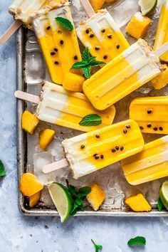 Mango, Passionfruit & Coconut Macadamia Popsicle's {Gluten & Dairy Free) — The Whimsical Wife Ice Pop Recipes, Ice Cream Recipes, Cute Desserts, Frozen Desserts, Frozen Treats, Cute Food, Yummy Food, Healthy Snacks, Healthy Recipes