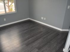 Dark Wood Floors Ideas Designing Your Home Dark Wood Floors - Design photos, ideas and inspiration. Dark Wood Floors Ideas Designing Your Home Dark Wood Floors - Design photos, ideas and inspiration. Grey Hardwood, Grey Wood Floors, Grey Flooring, Bedroom Flooring, Flooring Ideas, Dark Wood Floors Living Room, Gray Living Room Walls, Living Rooms, Bedroom Wood Floor
