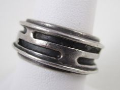 Ring | Art Smith. Sterling silver. ca. 1950s - 1960s. Bling Jewelry, Jewelry Art, Antique Jewelry, Vintage Jewelry, Jewelry Design, Jewelry Rings, Jewellery, Found Art, Sterling Silver Jewelry