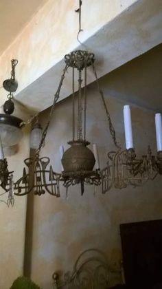 Antico Lampadario Sali e Scendi in ottime condizioni.. zona catania , vendo euro 700 poco trattabili. per info 342-0566489 Adriana