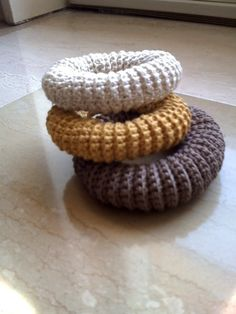 Ravelry: elastic bracelet by Lia Govers...instructions to make..